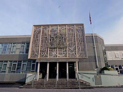 Съдът в Плимут, където бе процесът срещу българина.