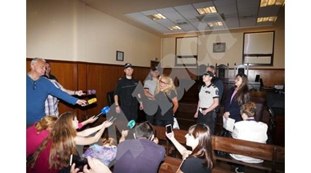 Оставиха Иванчева в ареста