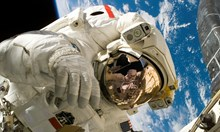 Двама астронавти излизат в открития Космос днес