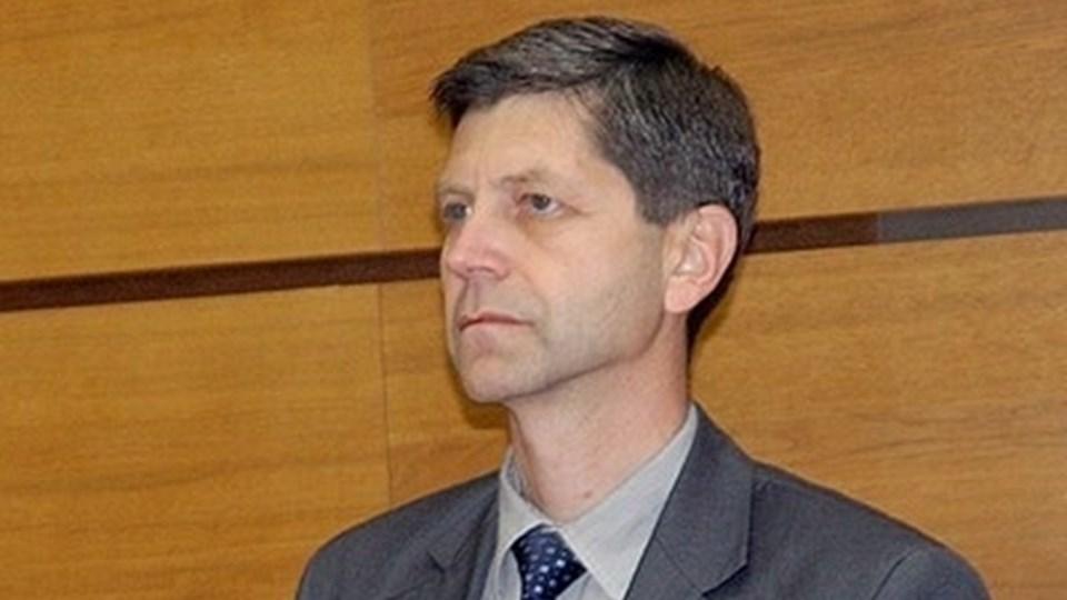 Жан Виденов съкратен като преподавател, защо се е покрил и ще влезе ли отново в политиката?