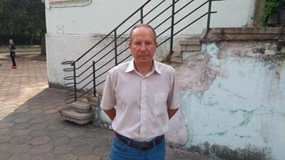Директорът на садовската гимназия Димитър Йорданов СНИМКИ: Радко Паунов