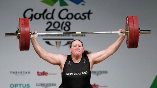 Първият транссексуален олимпиец е от Нова Зеландия. В Токио ще се състезава при щангистките