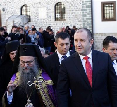 Румен Радев в Бигорския манастир. СНИМКА: Фейсбук