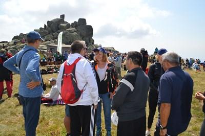 Междувременно столичният кмет Йорданка Фандъкова изкачи Витоша с 3000 ентусиасти, с което отбеляза 124 г. от създаването на туристическото движение в България. Първите стигнали до Черни връх получиха и награди лично от кмета на София.