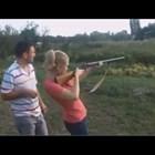 Жени и оръжия