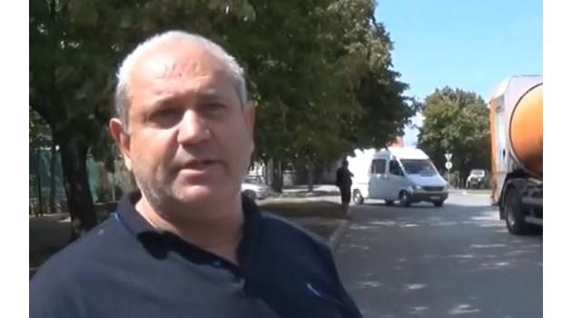 Уволненият след инцидента с бащата на президента полицай: Ще обжалвам