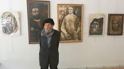 Той е автор на един от най-добрите портрети на Васил Левски.