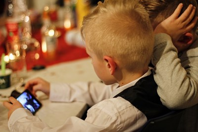 Родителите трябва внимателно да избират какви устройства ползват децата им и по колко време на ден. СНИМКА: Pixabay