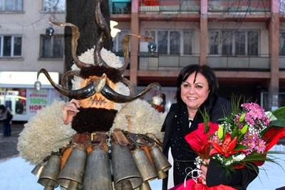 Лидерът на БСП Корнелия Нинова на традиционния празник в Перник СНИМКИ: пресцентър на БСП