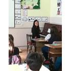 Децата слушат с интерес Димана