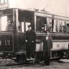 Първият трамвай предизвиква голям интерес. Снимки: АРХИВ