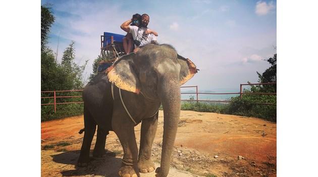 Преслава и гаджето й яхнаха слон в Тайланд