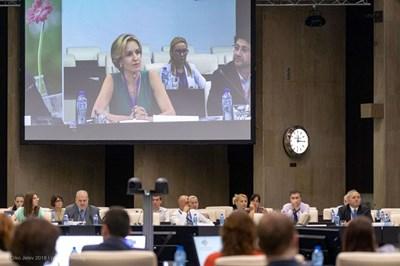 Основната задача на регламента е да овласти потребителите, които да са по-информирани, заяви председателят на Дигиталната национална коалиция Гергана Паси по време на конференцията.
