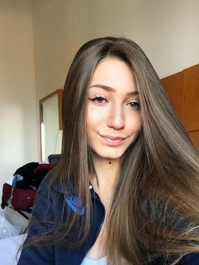 19-годишната Никол Владкова  загуби  битка с рака