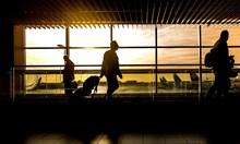 Самолет със 150 българи от Англия каца утре в Бургас. Ще бъде премерена температурата на всички