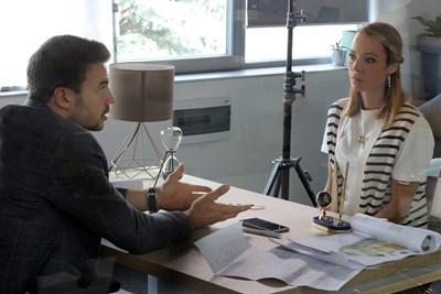 Ивайло Захариев и Силвия Петкова снимат сцена за втория сезон на сериала. СНИМКИ: РУМЯНА ТОНЕВА СНИМКА: Румяна Тонeва