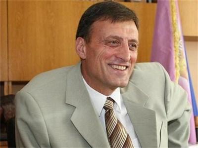 Д-р Людмил Веселинов