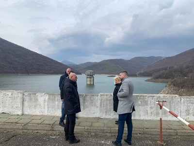 """Преди дни министър Емил Димитров посети язовирите """"Асеновец"""", """"Жребчево"""" и """"Копринка""""."""