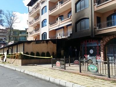 "Пожар избухна в ресторант ""Фор Ю"" в Слънчев бряг. Снимки ЕЛЕНА ФОТЕВА"