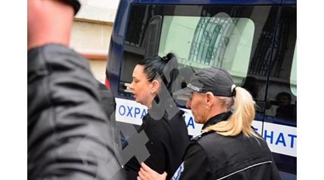 4 години и половина затвор за Анита Мейзер
