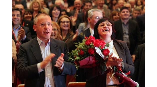 Проблемът на соцопозицията: Няма конкурент срещу Нинова. Каква ще е интригата на червения конгрес?