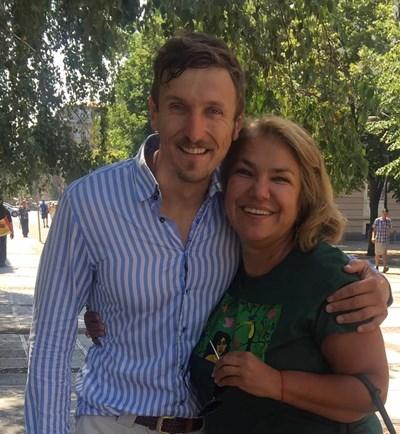 Мартина Вачкова си пусна снимка с Димо Алексиев, който участваше в първите сезони на сериала.