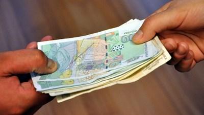 Най-рано от август приспадат пари за газ и парно