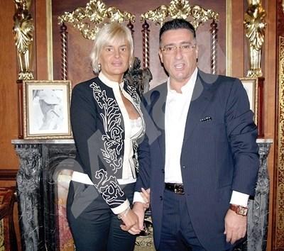 Семейство Маринела и Ветко Арабаджиеви през 2008 г. Снимка: Архив