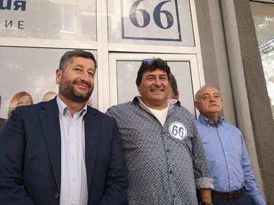 Христо Иванов, Калоян Ханджийски и ген. Атанас Атанасов (от ляво на дясно) се срещнаха след коалиционния спор.