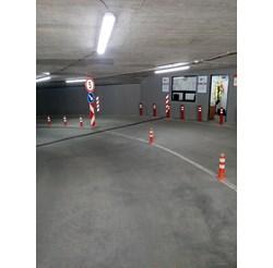 Последният буферен паркинг беше отворен при метростанцията до националния стадион
