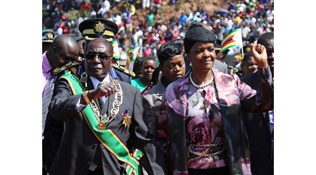 Свалят Мугабе заради скандалната му жена