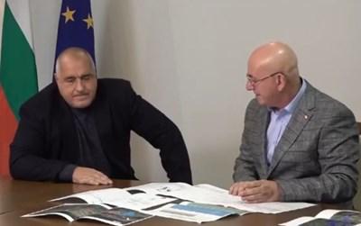 Министърът на околната среда и водите Емил Димитров уверил премиера, че водна криза няма да има. Снимка Фейсбук/Бойко Борисов