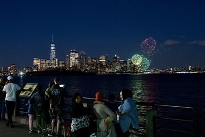 Ню Йорк празнува вече се завръща към културния живот СНИМКА:Ройтерс