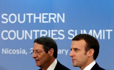 Еманюел Макрон и кипърският президент Никос Анастасиадис в Никозия СНИМКА: Ройтерс