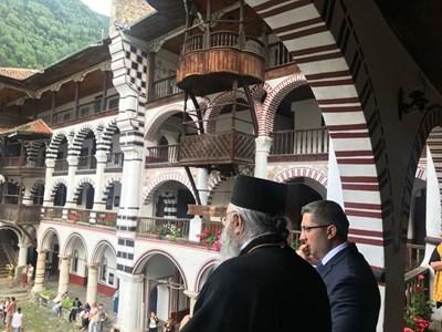 Министър Нанков посети Рилския манастир на големия християнски празник Успение на Св.Иван Рилски. Снимки МРРБ