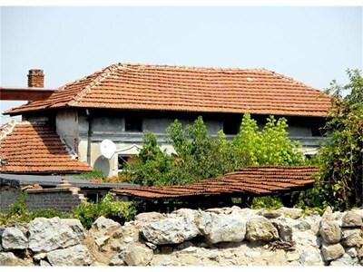 Къщата на Деян в Перущица, където живеел с родителите си. СНИМКА: АТАНАС КЪНЕВ