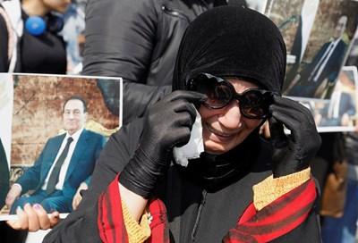 В Кайро погребаха бившия президент на Египет Хосни Мубарак Снимка РОЙТЕРС