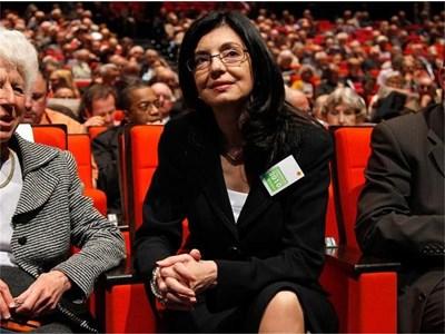 """Меглена Кунева участва в годишното заседание на акционерите на банка """"Париба"""" в Париж. СНИМКА: РОЙТЕРС"""