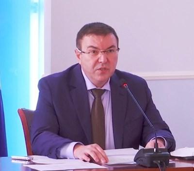 проф. Костадин Ангелов