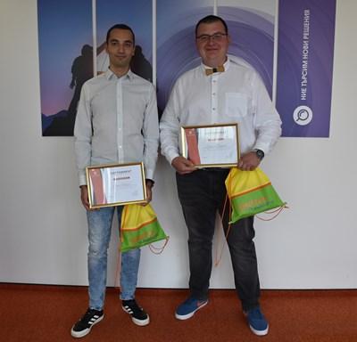 Победителите Ваньо Николов (вляво) и Пресиян Тодоров
