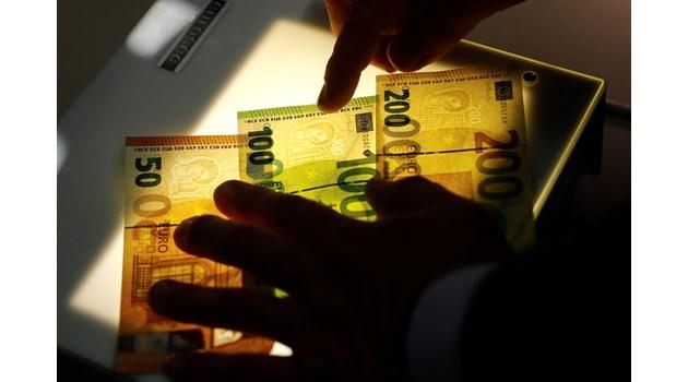 Опростиха на гърците 109 млрд. евро, а олигарсите ни източиха 51 млрд. - II част