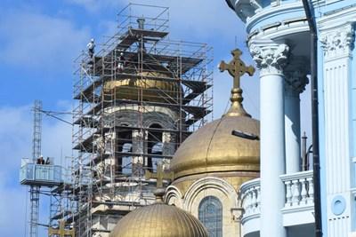 С 2,6 млн. лв. ремонтират Катедралния храм във Варна (Снимки)