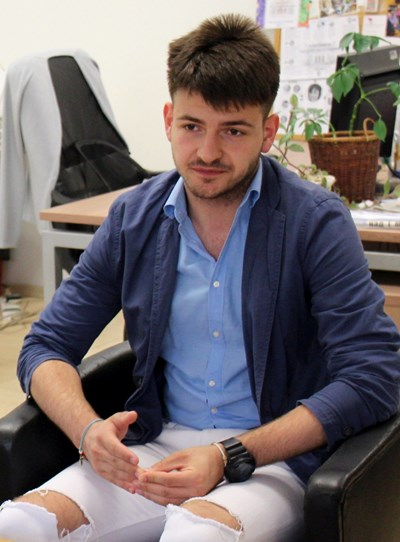 Петър ще следва медицина във Франция. СНИМКА: Никол Иванова