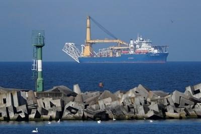 """Специален кораб за полагане на тръби, който може да бъде използван от Русия за завършване на изграждането на газопровода """"Северен поток-2"""" до Германия Снимка: Ройтерс"""