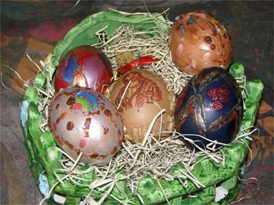 Яйца, допълнително нашарени с помощта на восък и други техники СНИМКИ: АВТОРКАТА