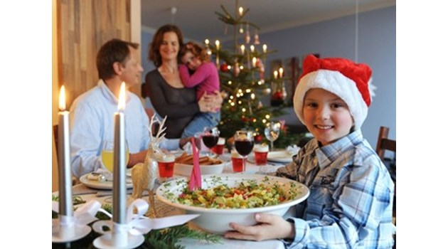 От Merry Christmas до merry си приказките разстоянието е две чаши!