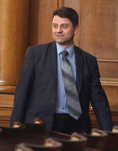 """Красимир Ципов от ГЕРБ е един от вносителите на общия законопроект на ГЕРБ и """"Обединени патриоти""""."""