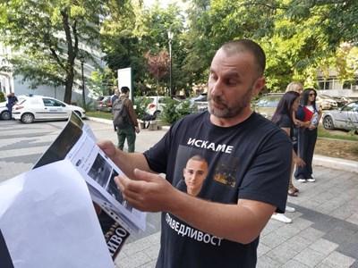 Бащата Тодор Бараков иска справедлив процес.
