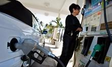 Бензинът в САЩ падна до 30 ст. за литър