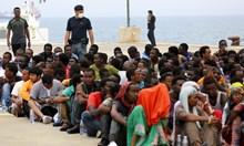 С €32 млн. евро за бежанците свещеници си купуват вили и яхти